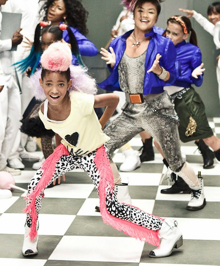 willow smith whip my hair premiere 03 e1287421550631 Hot Shots: Willow Smith Whip My Hair Video Stills