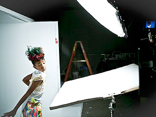 willow2 Hot Shots: Willow Smith Shoots Whip My Hair Video
