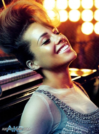 alicia k4 Hot Shots: Alicia Keys Does Vogue Italia
