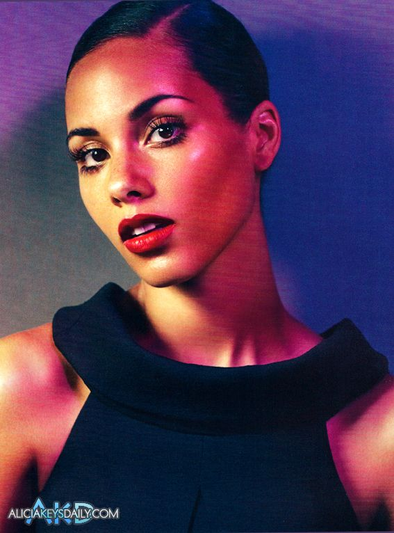 alicia keys05 Hot Shots: Alicia Keys Does Vogue Italia