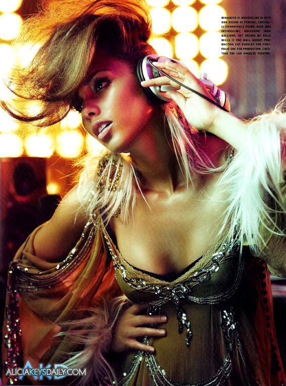 alicia keys08 Hot Shots: Alicia Keys Does Vogue Italia