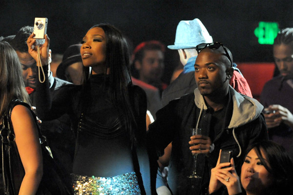 brandy vevo23 Hot Shots: Brandy & Kelly Rowland At Ne Yos VEVO Bash