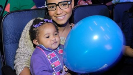 Hot Shots: Milian Treats Daughter To Thanksgiving Day Out