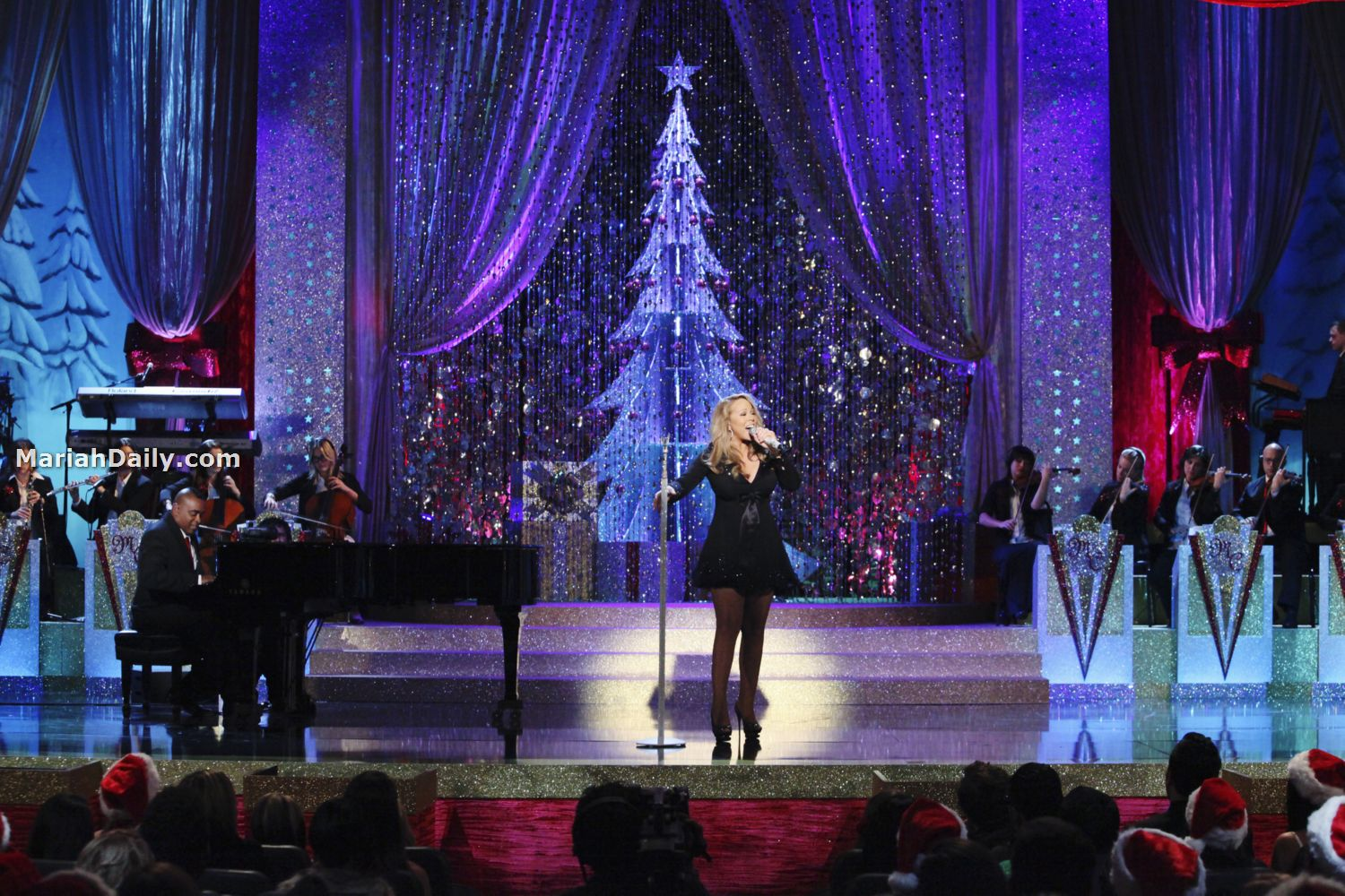 mariah10 Hot Shots: Mariah Carey Dazzles In Christmas Special