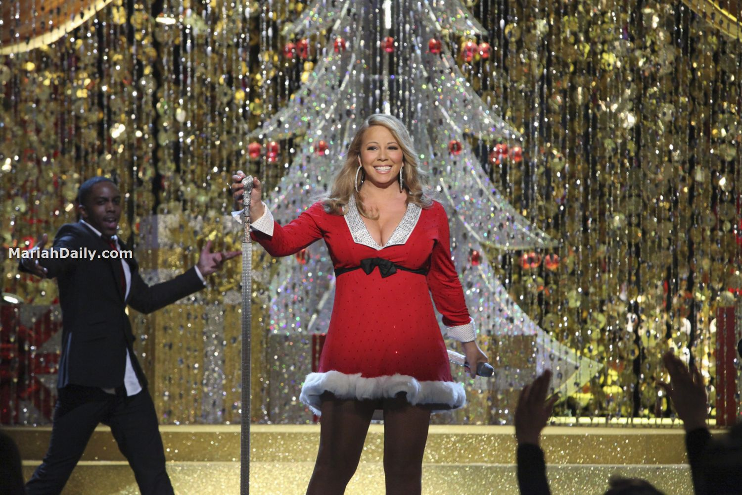 mariah22 Hot Shots: Mariah Carey Dazzles In Christmas Special