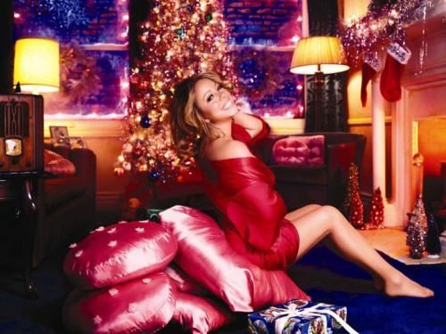 mariah5 e1291022301229 New Video: Mariah Carey   Auld Lang Syne (A Must See!)