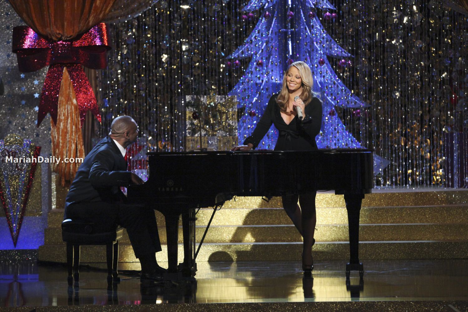 mariah6 Hot Shots: Mariah Carey Dazzles In Christmas Special