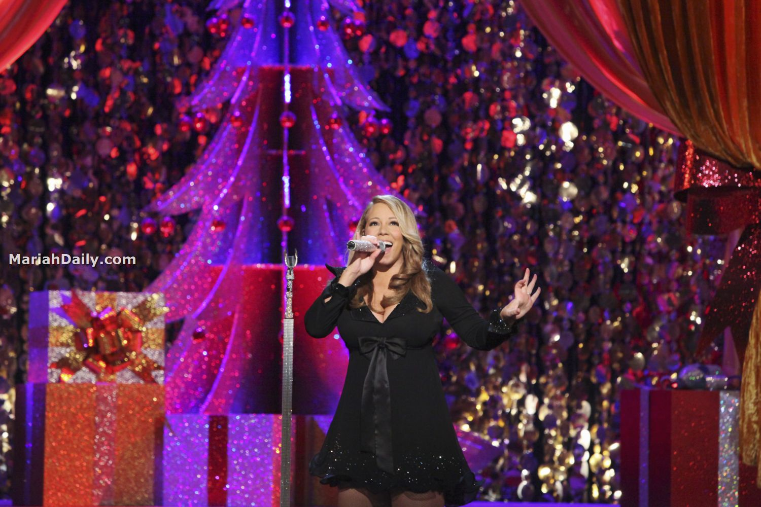 mariah7 Hot Shots: Mariah Carey Dazzles In Christmas Special