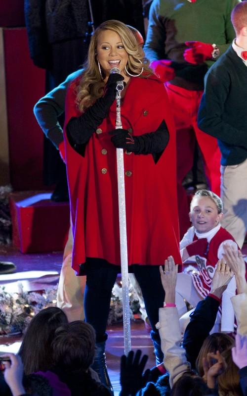 mariahnyc Hot Shots: Mariah Carey Brings Christmas To NYC
