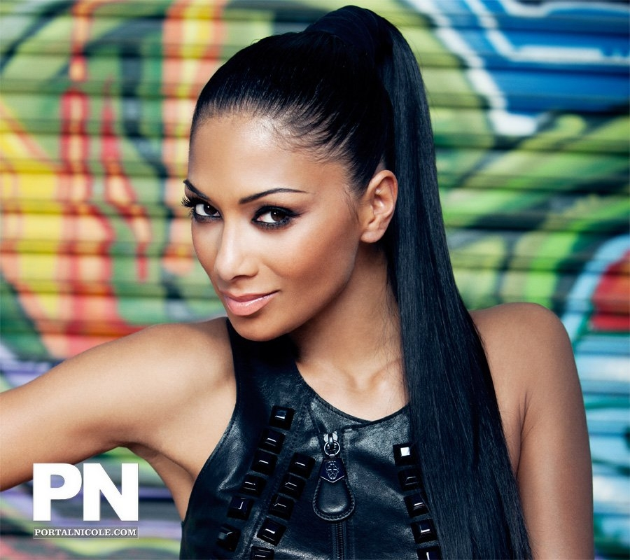 nicole6 Hot Shots: Nicole Scherzinger Poses For Fabulous Magazine
