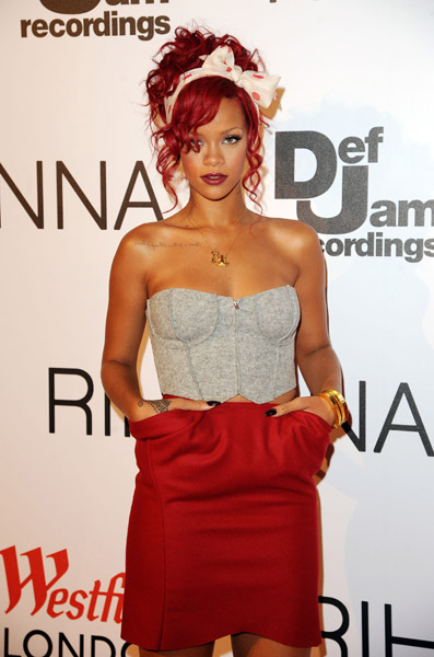 rihanna Hot Shot: Rihanna Kicks Off The Christmas Season In London