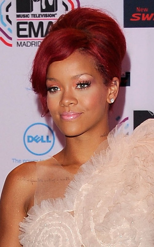 rihanna1 Hot Shots: Rihanna Arrives At The MTV EMA