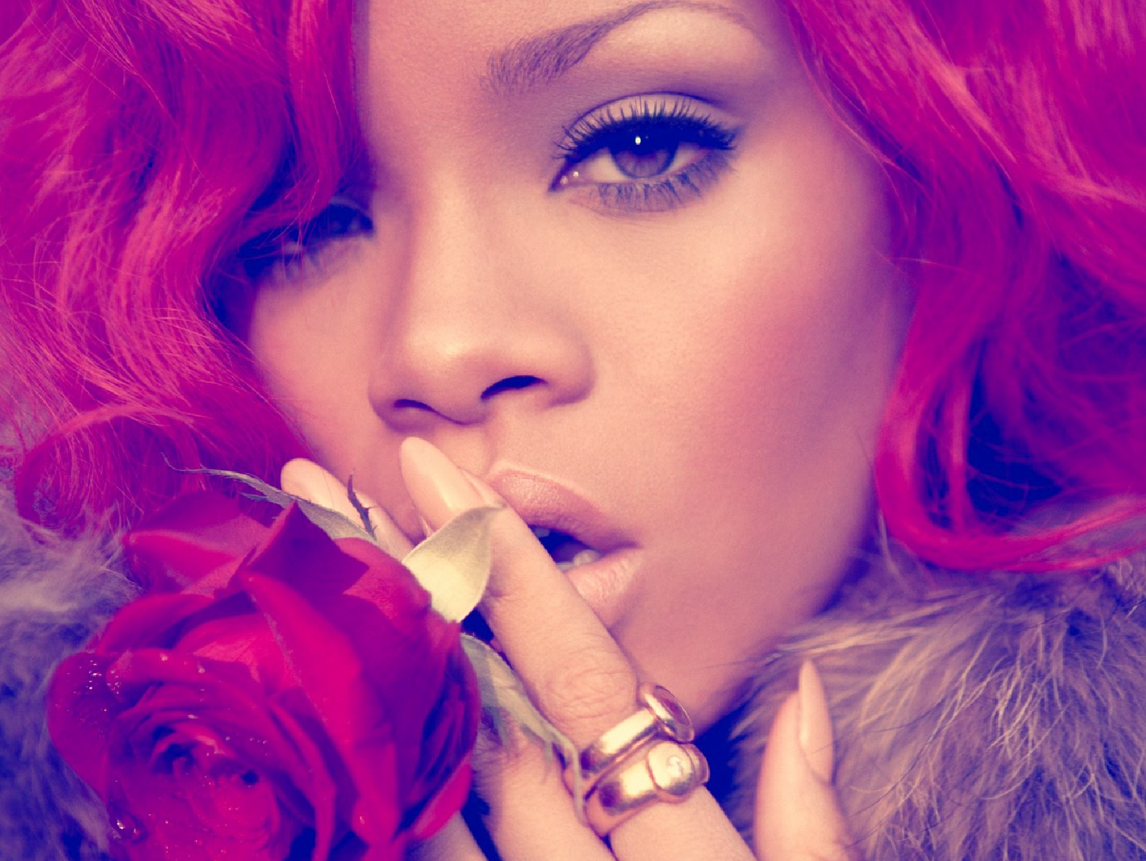 rihanna8 Rihannas Loud Album Unwrapped