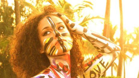 Hot Shot: Alicia Keys Takes Family Stroll In NYC
