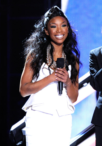 brandy work Hot Shots: VH1 Divas 2010: Salute The Troops / Show