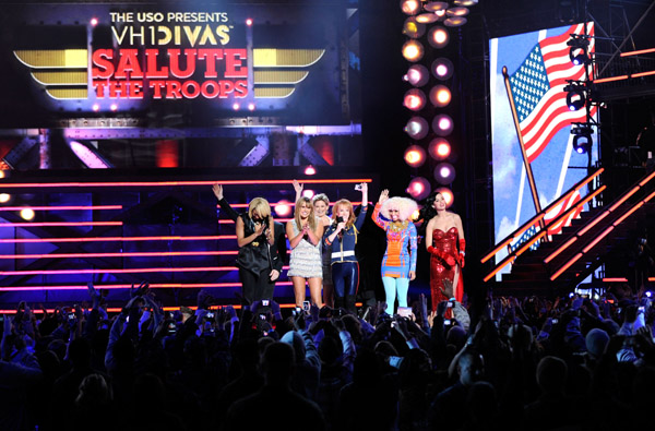 divas4 Hot Shots: VH1 Divas 2010: Salute The Troops / Show
