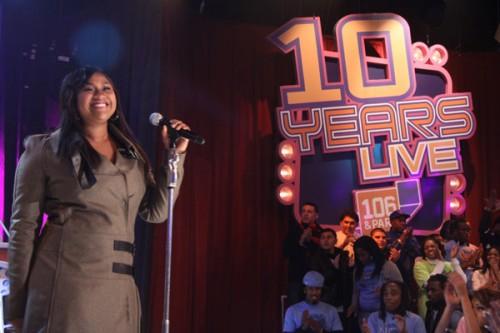 jazmine bet e1291374734767 Jazmine Sullivan Performs On 106 & Park