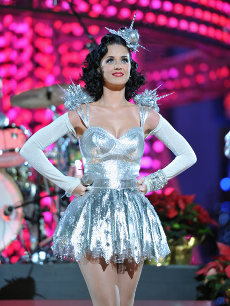 katyperry4 Hot Shots: Katy Perry Sparkles At Grammy Nomination Special