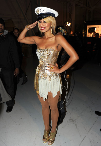 keri443 Hot Shots: VH1 Divas 2010: Salute The Troops / Show