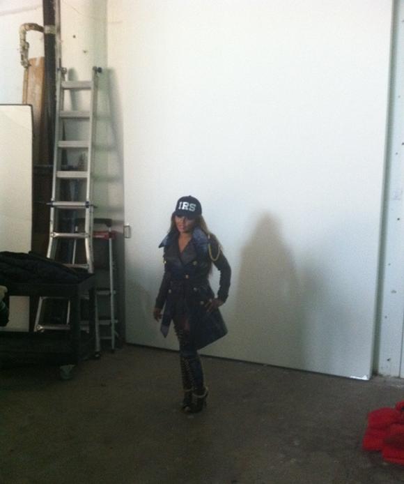 kim 9 Hot Shots: Lil Kim On Set Of Black Friday Video