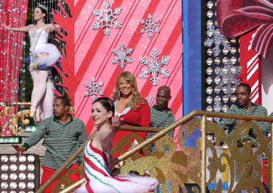 mariah4 Hot Shots: Mariah Carey Films Disney Parks Christmas Day Parade Performance