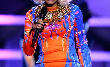 Hot Shots: VH1 Divas 2010: Salute The Troops / Show