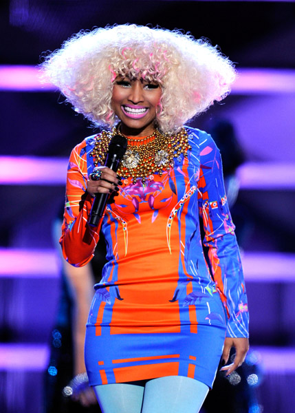 nicki diva5 Hot Shots: VH1 Divas 2010: Salute The Troops / Show