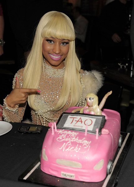 nickibirthday7 Hot Shots: Nicki Minaj Celebrates Birthday In Vegas
