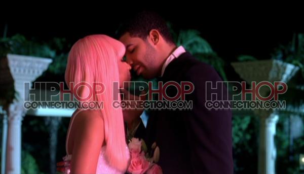 nickidrake Hot Shot: Nicki Minaj & Drake Get Close In Moment 4 Life Video
