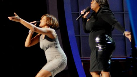 Video: Whitney Houston & Kim Burrell Perform 'I Look To You' at BET Celebration of Gospel