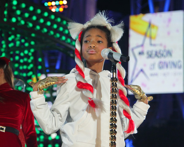 willow 9 Willow Smith Whips Holiday Hair (Pics & Performance Clip)