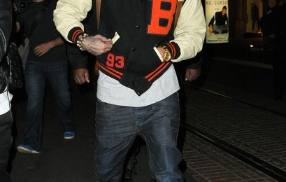 Hot Shots: Chris Brown Shops In The Grove