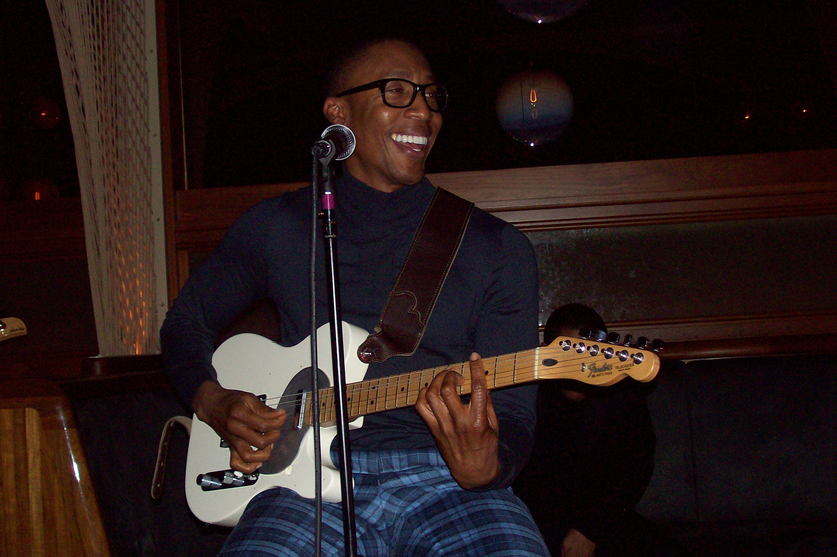 100 3320 Raphael Saadiq Rocks New York City; Readies New Material
