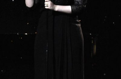 Adele Performs 'Someone Like You' At BRITS 2011