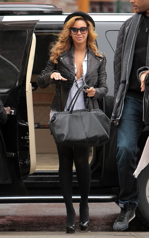 beyonce Hot Shot: Beyonce Handles Business In NYC