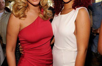 Hot Shot: Beyonce & Rihanna Catch Up At Pre-Grammy Event