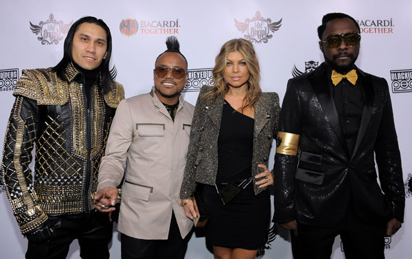 blackeyedpeas1 Hot Shots: Ciara, John Legend & Others Perform At Black Eyed Peas PEAPOD Benefit Concert