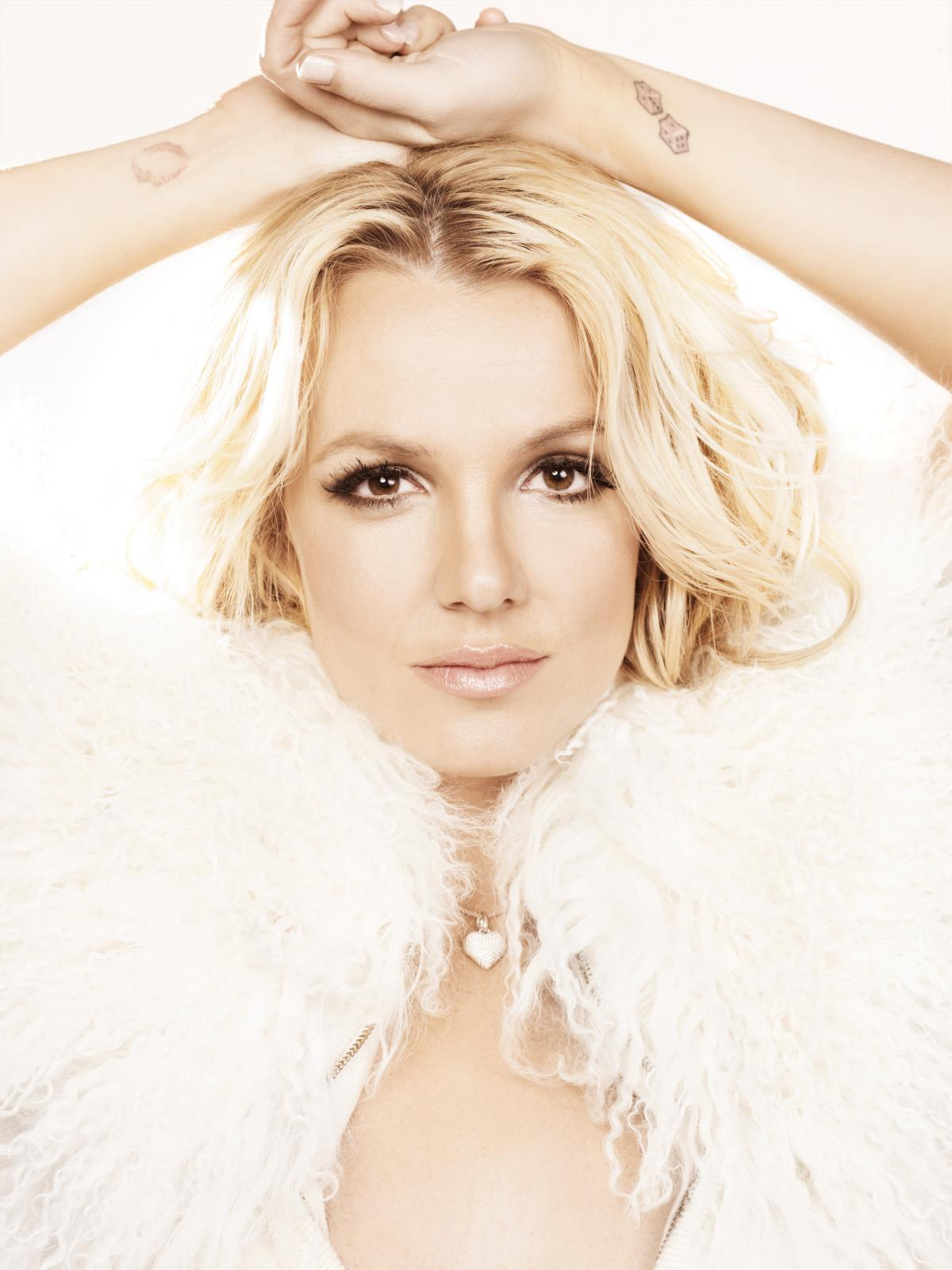 Preview Britney Spears' 'V' Magazine Photoshoot - That ... Britney