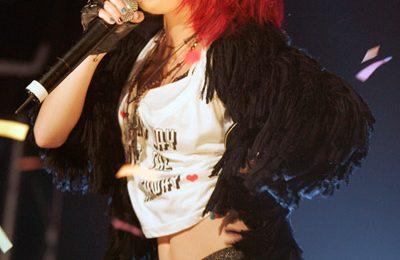 Video: Cher Lloyd Performs 'Whip My Hair'
