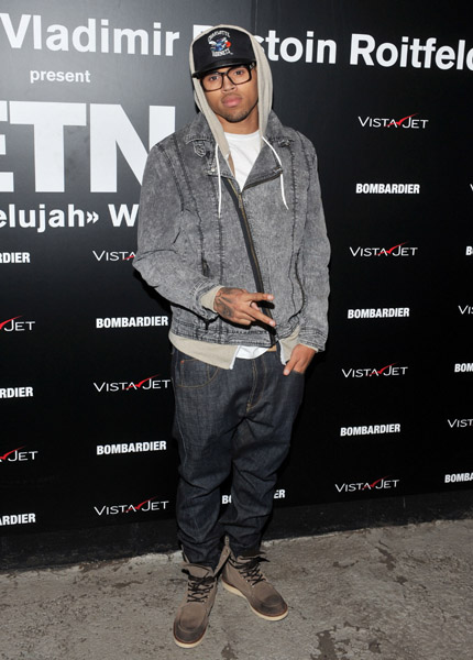 chrisbrown6 Hot Shots: Chris Brown Says Hallelujah In New York