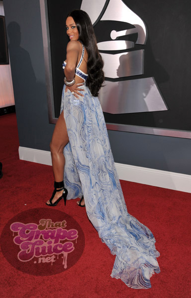 ciara 23 a Grammy Awards 2011: Red Carpet