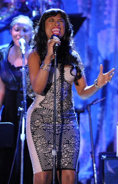 jennifer hudson 1234 Hot Shots: Whitney, R. Kelly, Janelle Monae & More Shine On Pre Grammy Stage