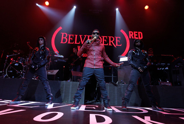 usher31 Hot Shots: Usher Goes Red With BELVEDERE