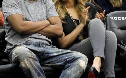 Hot Shots: Beyonce & Jay-Z Kick It At Nets Game