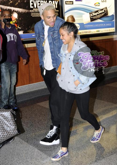 chrisbrown18 Hot Shots: Chris Brown & Girlfriend Travel Through Richmond