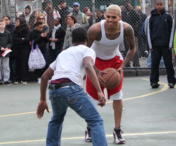 chrisbrown63 Hot Shots: Chris Brown Plays Ball In NYC & Celebrates The Release Of F.A.M.E