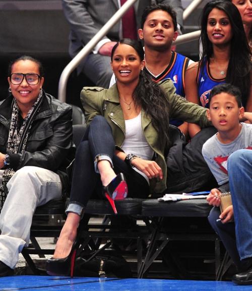 ciara1 Hot Shot: Ciara Is All Smiles At Knicks Game