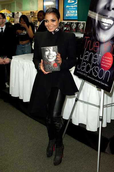 janet Hot Shots: Janet Jackson Holds Book Signing In NYC