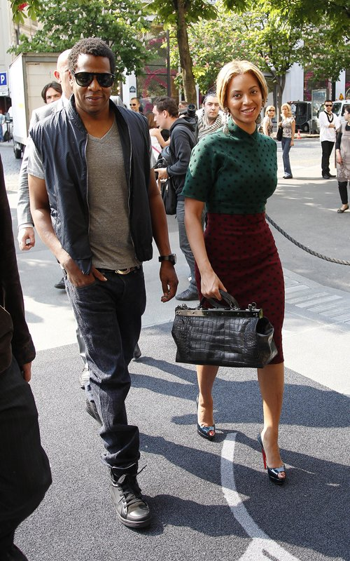 beyoncejay1 Hot Shot: Beyonce & Jay Z Do Brunch In Paris