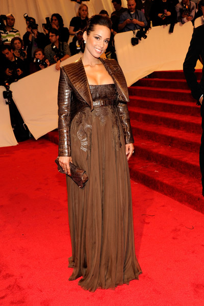 alicia keys2 Hot Shots: Beyonce, Jay Z, Rihanna & More Shine At MET Ball